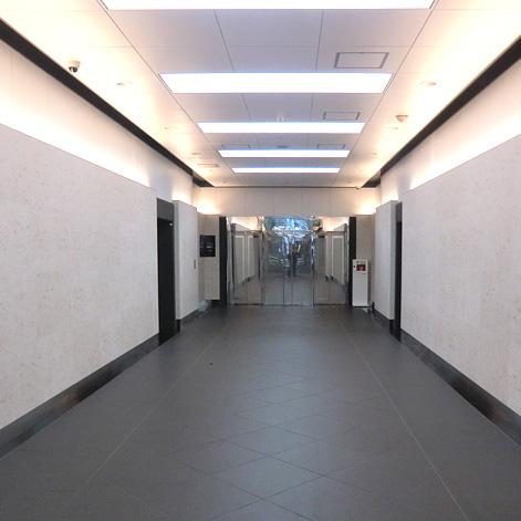 新宿のオフィスビル
