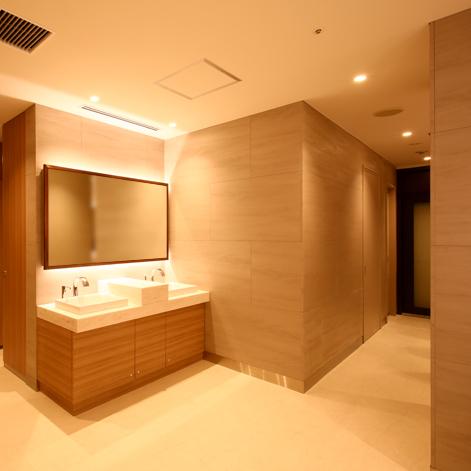 京都市内商業施設のお客様トイレ